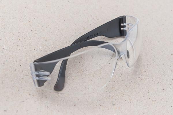 Dětské ochranné brýle / vhodné nářadí pro děti / Malý kutil – polytechnika pro předškolní děti